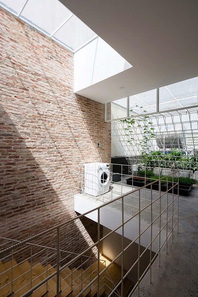 Mẫu nhà phố đẹp với hệ khung rỗng lập phương phá cách
