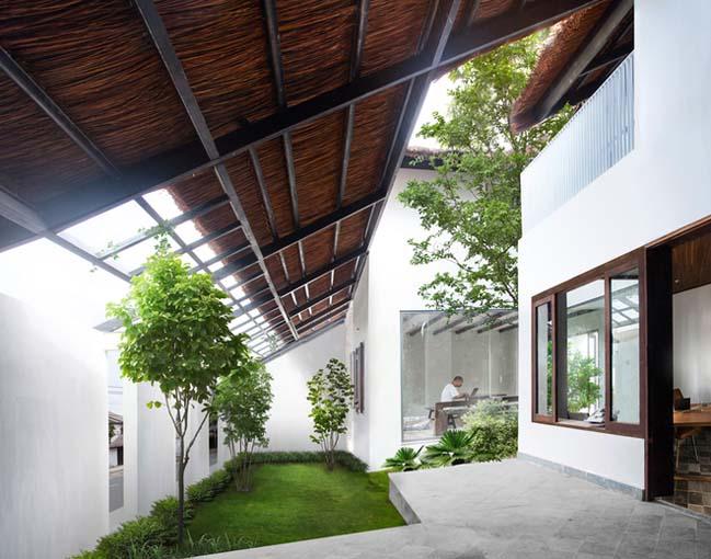 Tham quan biệt thự đẹp mái lá tại Biên Hòa