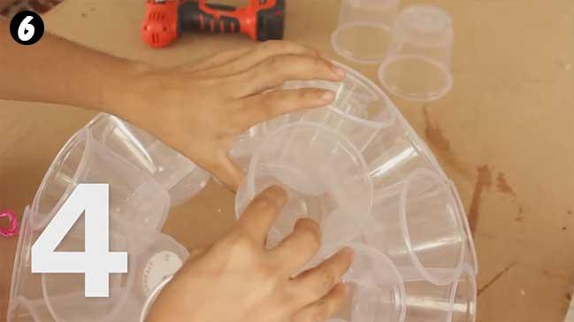 Cách làm đèn quả cầu chớp tắt bằng ly nhựa