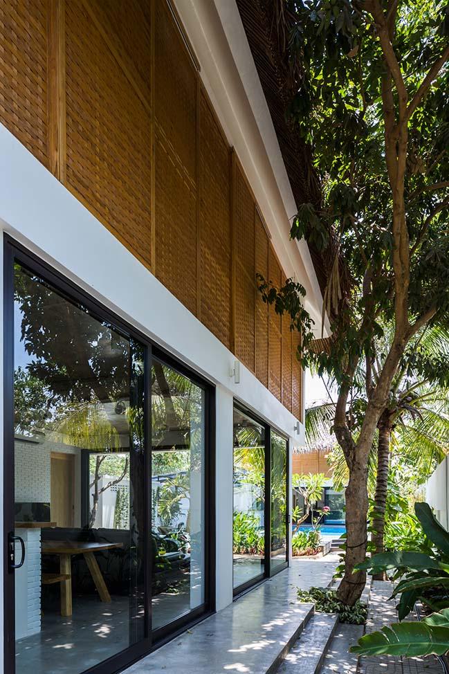 Mẫu nhà nghỉ mát đẹp với vườn xanh bao quanh tại Trà Vinh