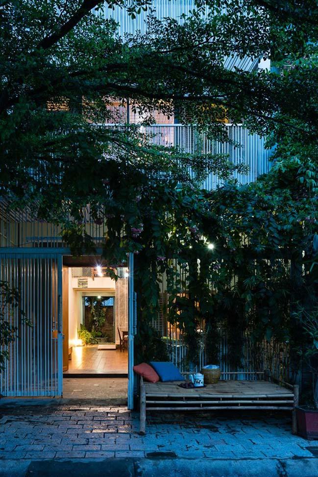 Nhà phố đẹp 3 tầng với kiến trúc mặt rèm tại Nha Trang