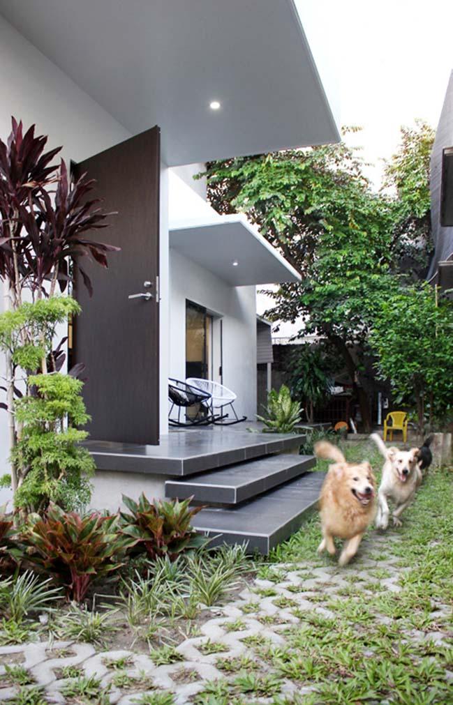 Nhà đẹp 2 tầng với thiết kế ngoài kín trong thoáng