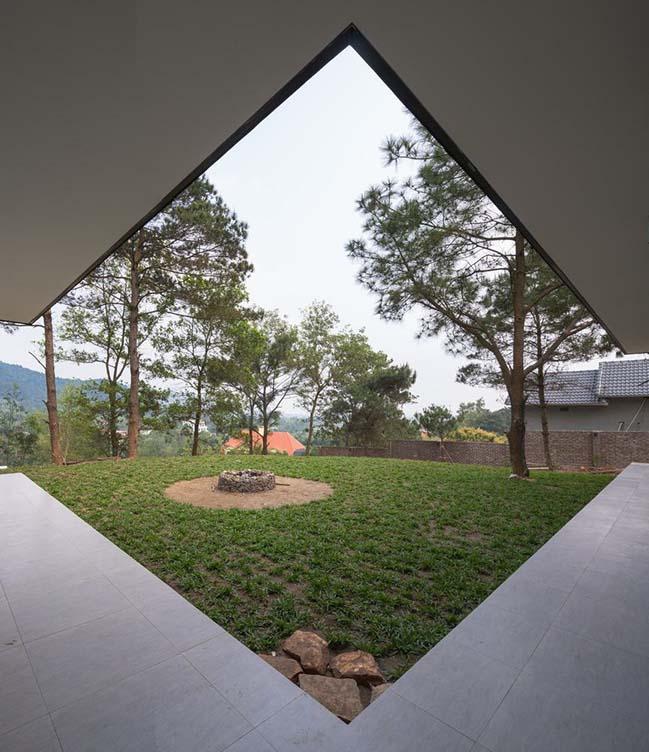 Mẫu biệt thự đẹp ẩn mình giữa đồi thông tại Đà Lạt
