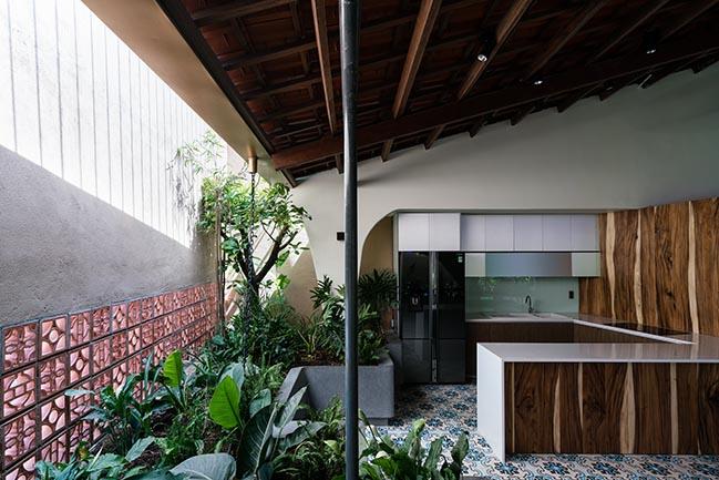 Cải tạo ngôi nhà cũ xây từ năm 1988 thành biệt thự đẹp tiện nghi